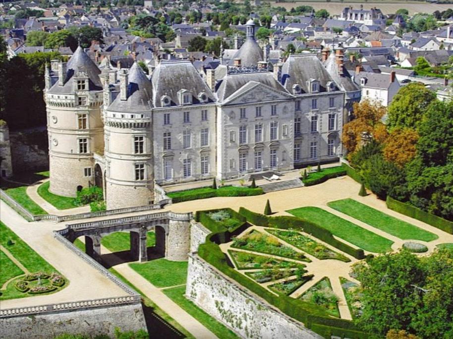 chateau-du-lude
