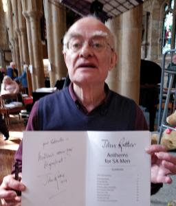 John Rutter présente ses voeux à Gabriella pour son Magnificat